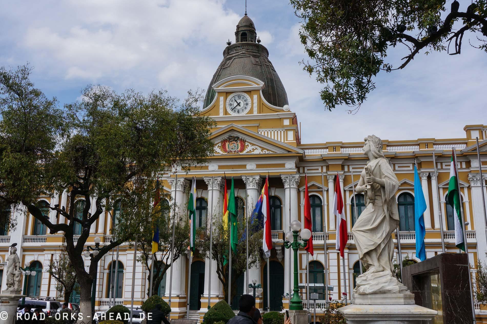 Bolivien ist anders, die Uhr geht rückwärts