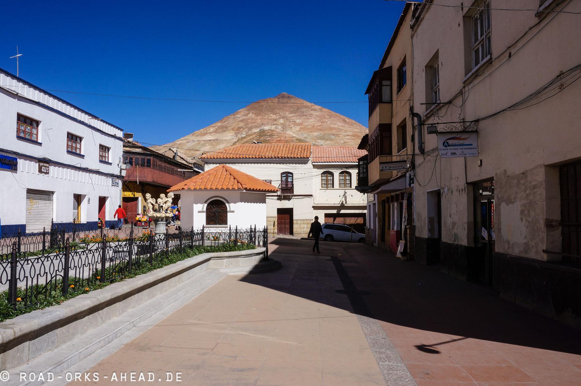 Cerro Rico (reicher Berg) über Potosi
