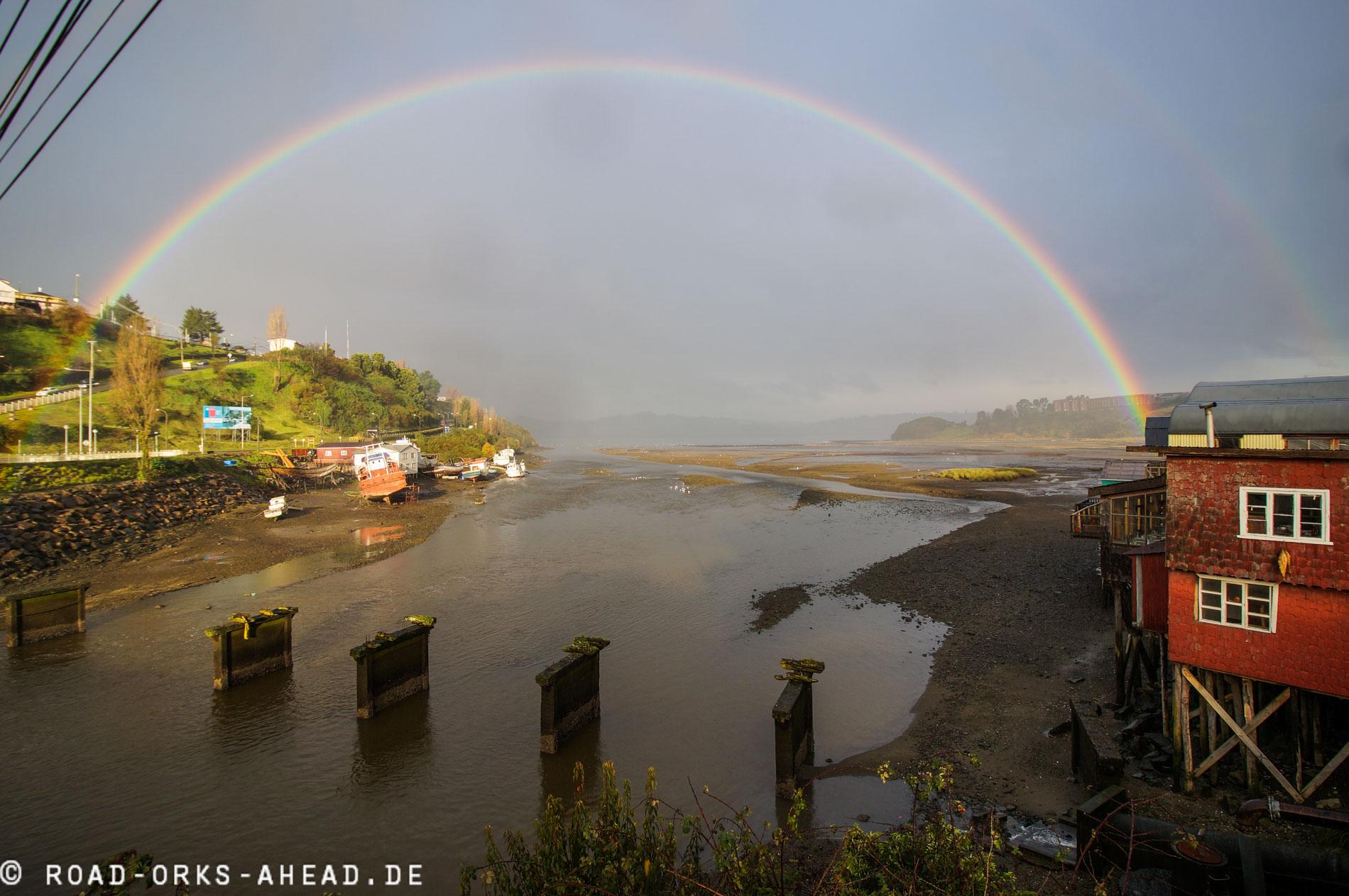 Regenbogen über Castro