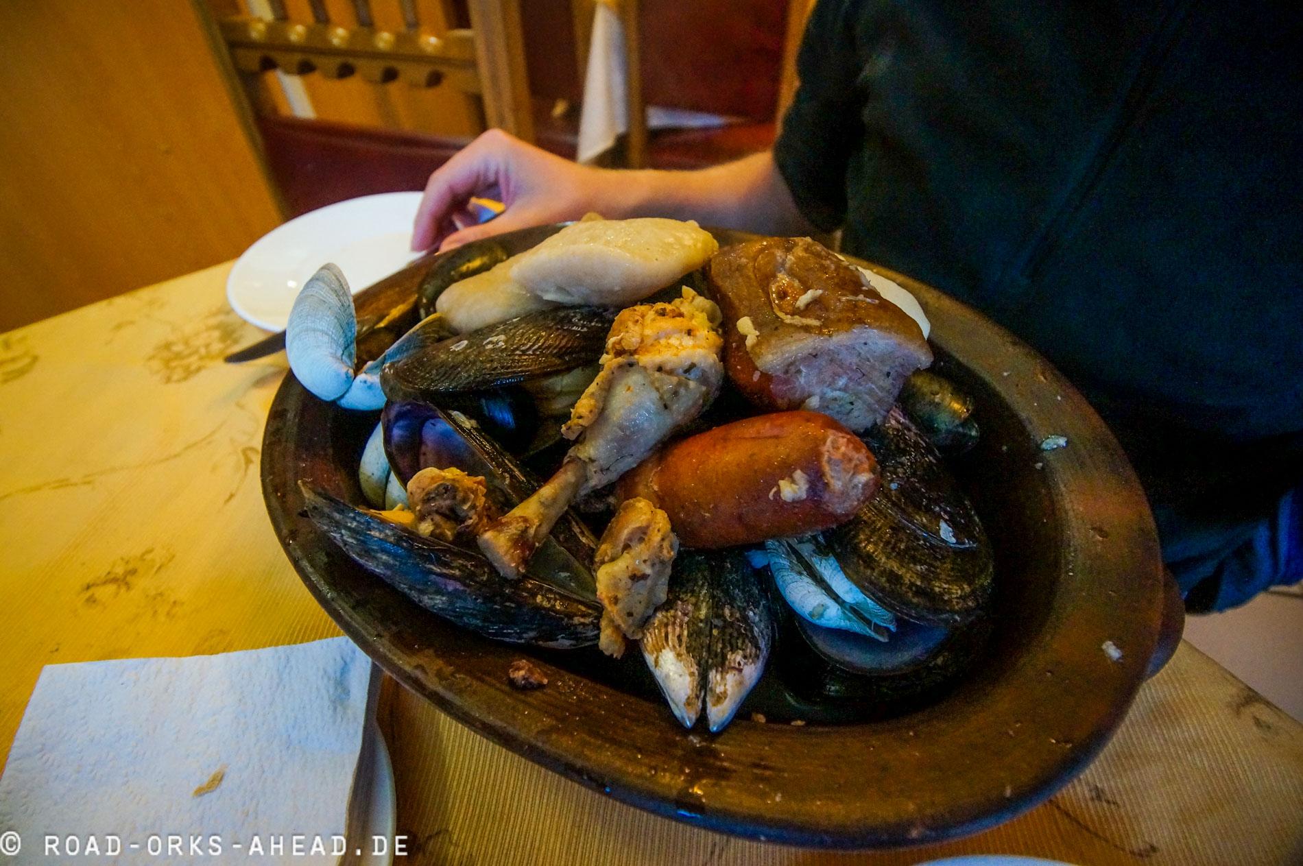 Curanto - Fleisch, Meeresfrüchte und Fisch