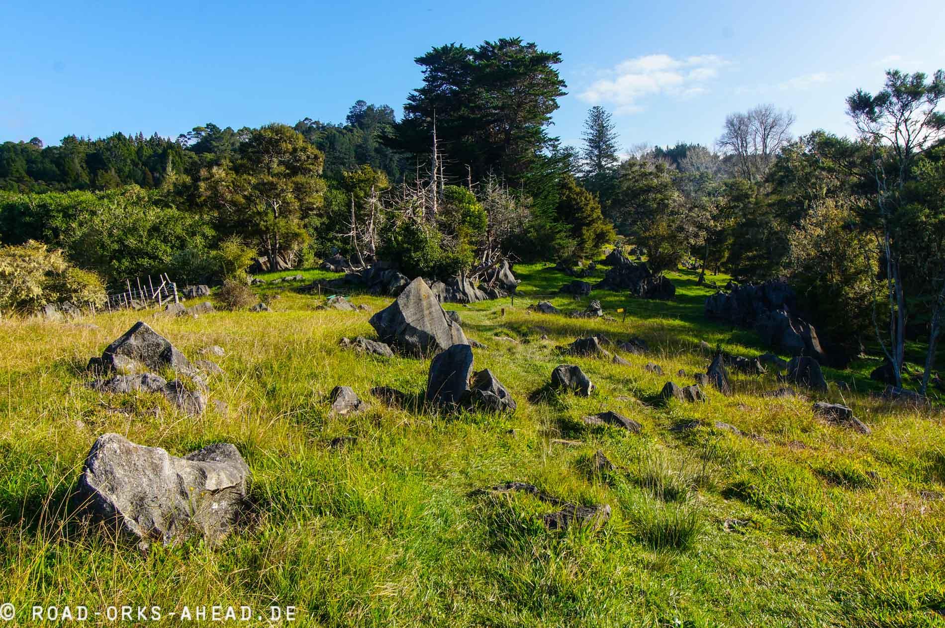 Wanderung um die Abbey Caves