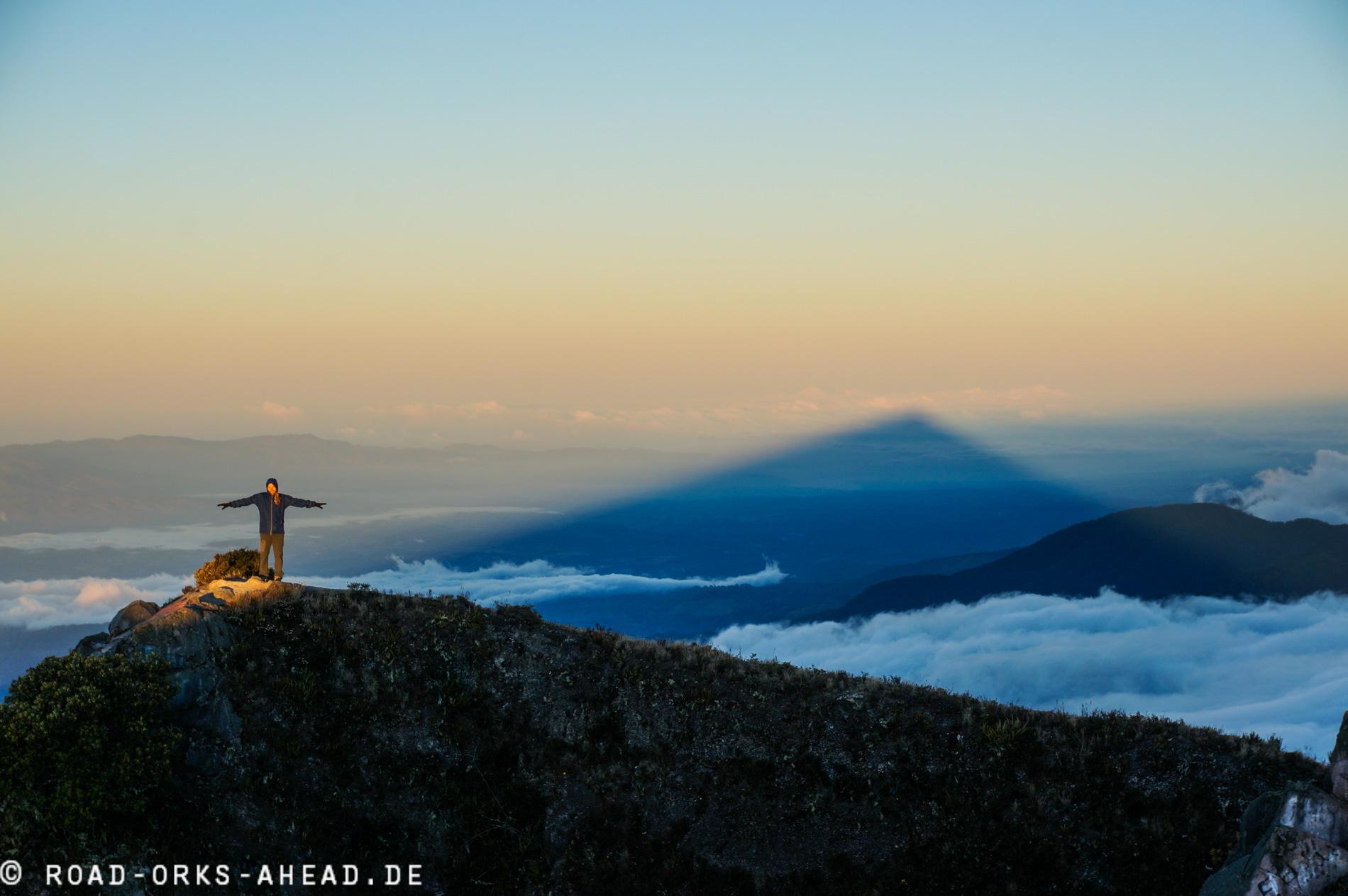 Auf dem Schatten des Berges
