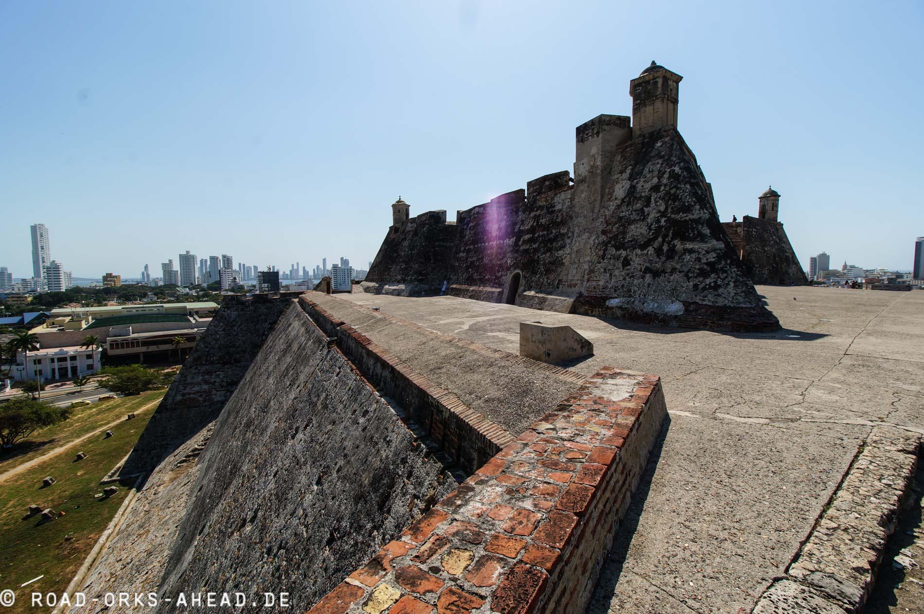Die riesige Festung sollte die reiche Stadt...