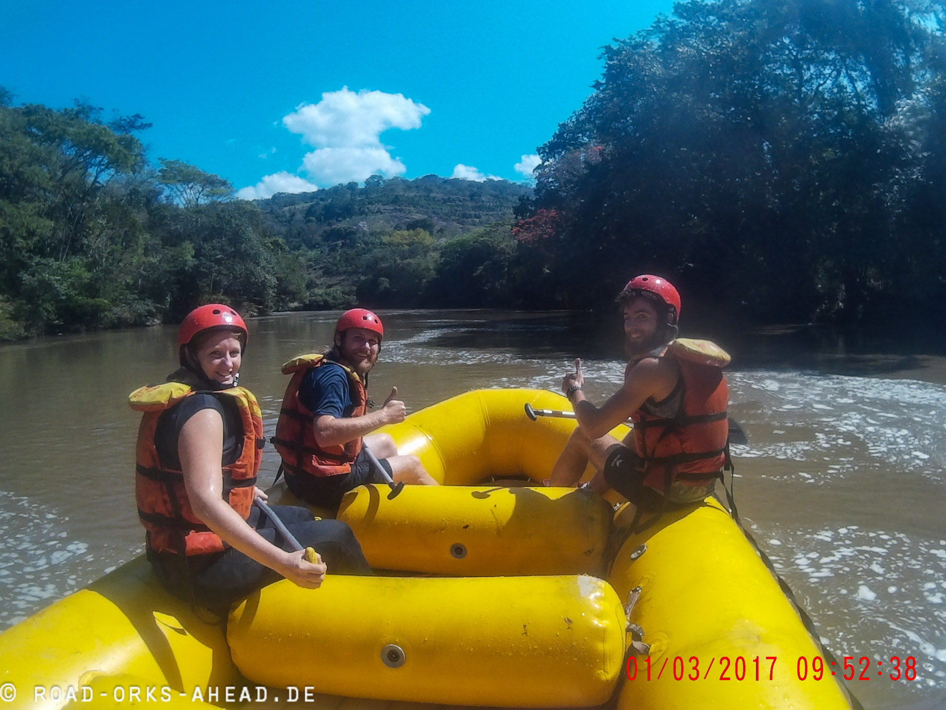 Rafting zu dritt, ok mit Guide