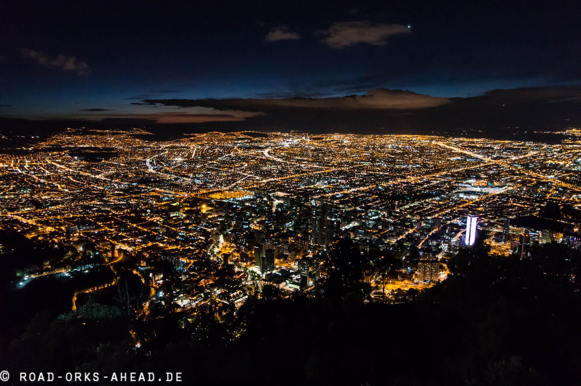 Die 7 Millionen Stadt bei Nacht
