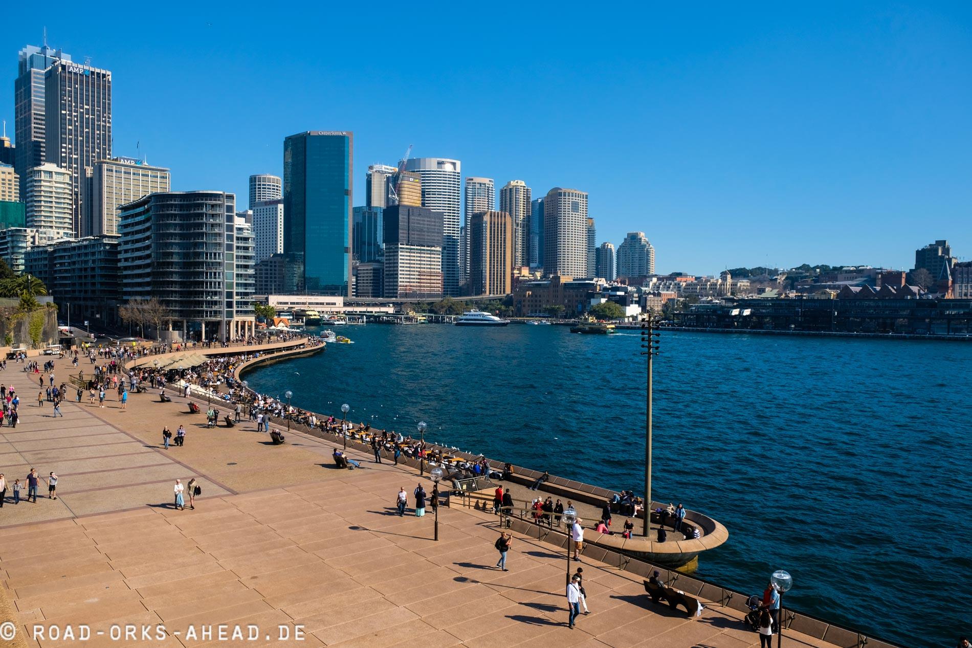 Blick in den Hafen vom Sydney Opera House