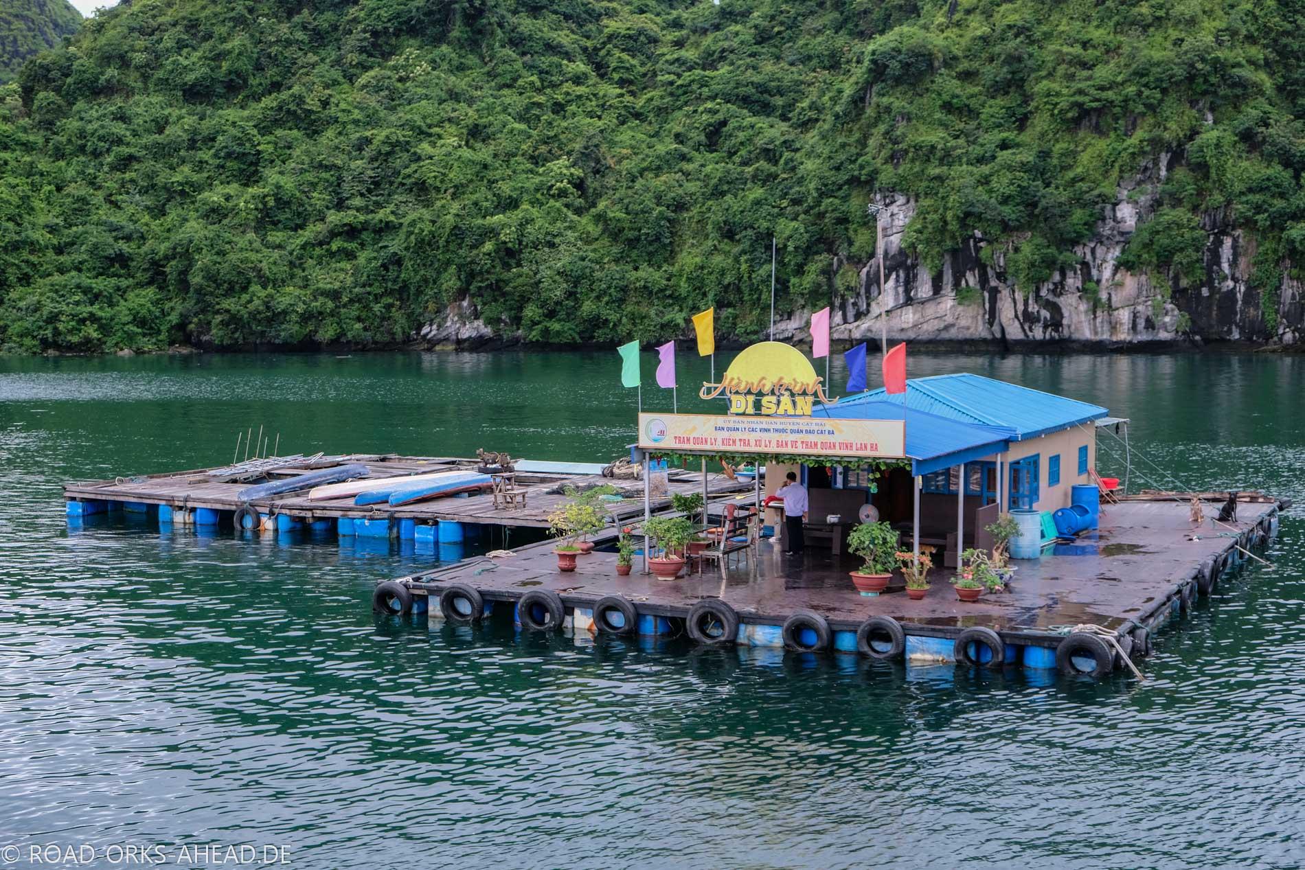 Schule in der Lan Ha Bucht, nicht viel los...