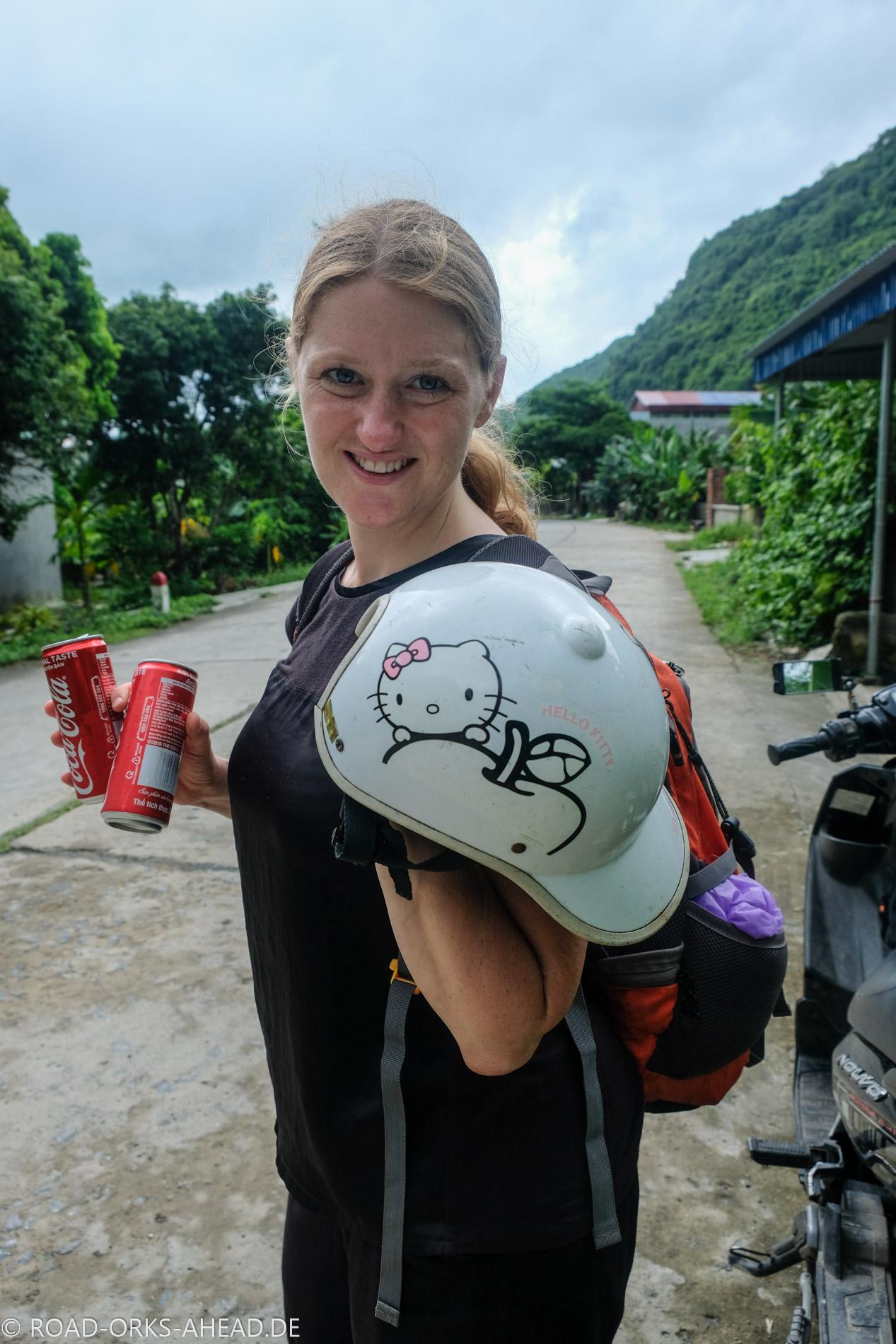Rollertour auf Cat Ba: cooler Helm mit Aussparung...