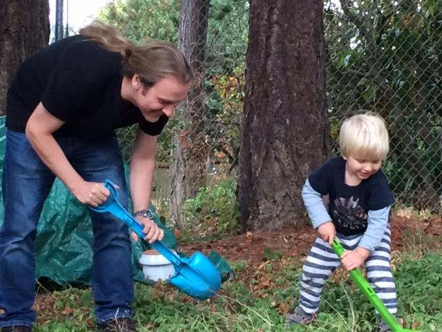 Wir graben im Garten