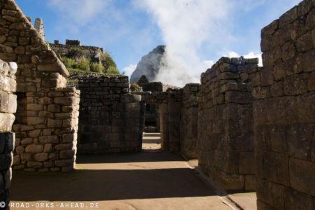 Durch die Ruinen von Machu Picchu