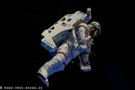 Raumanzug mit Bewegungsmodul