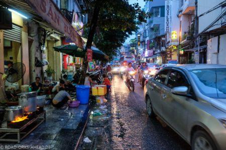 Geschäftiges Hanoi