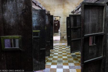 Gefängniszellen in Toul Sleng