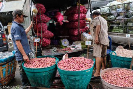 Auf einerm der Märkte in Bangkok