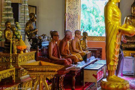 Buddhistische Mönche bei der Meditation