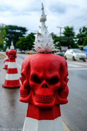 Totenkopf Straßenabsperrung